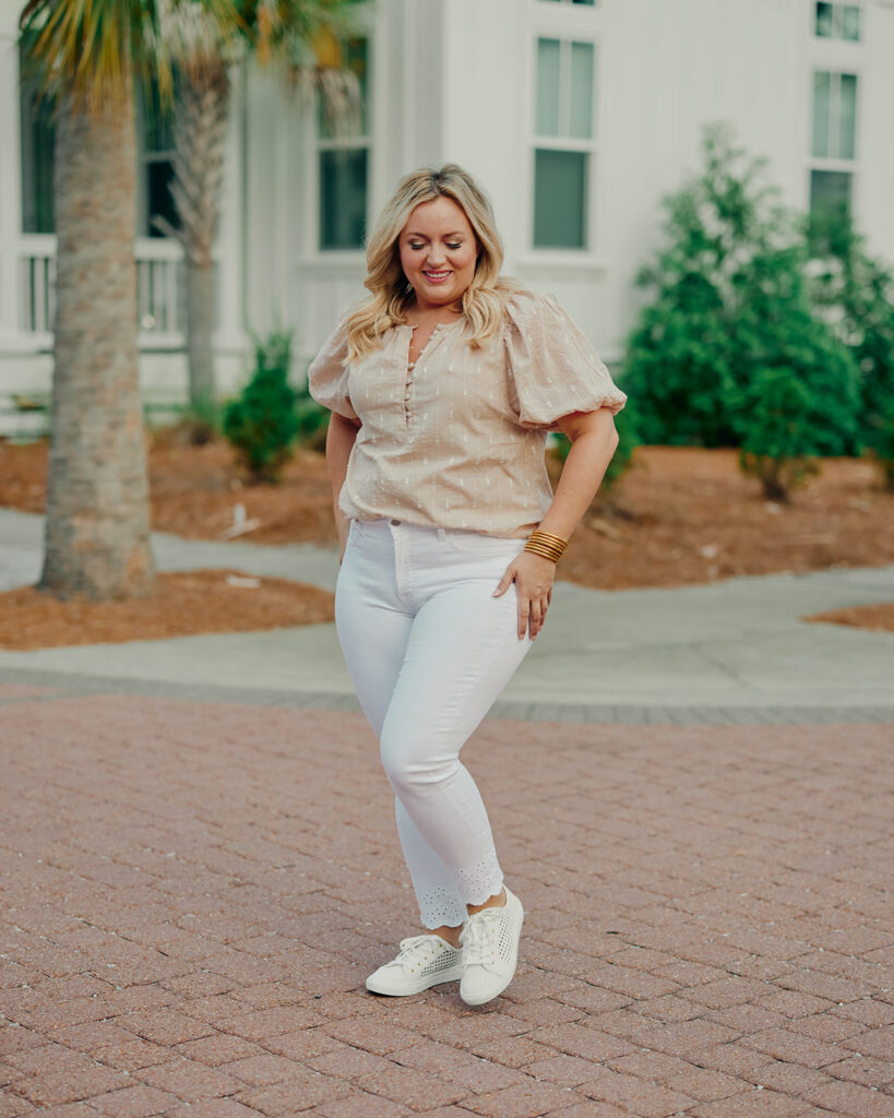 5 Fashion Trends This Summer- White Denim Jeans Puff Sleeve Top