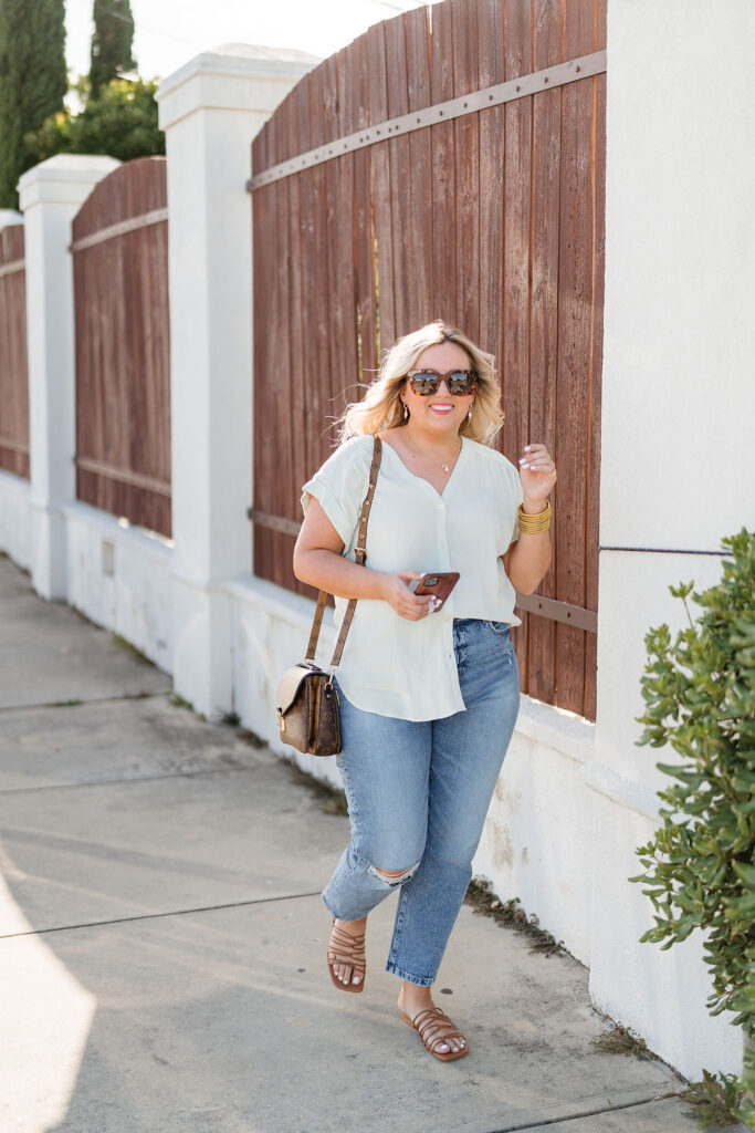 Summer Outfit Ideas  - Denim Jeans and White Short Sleeve Top - Loft